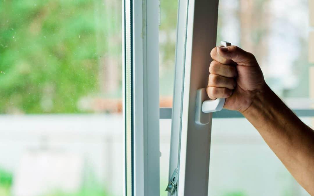 Jak uszczelnić okna plastikowe przed hałasem?
