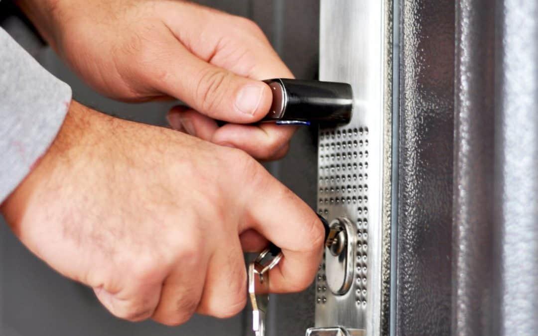 Jak wymienić wkładkę w drzwiach?