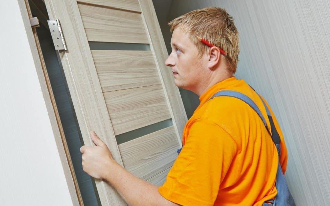 Najczęstsze błędy podczas montażu drzwi