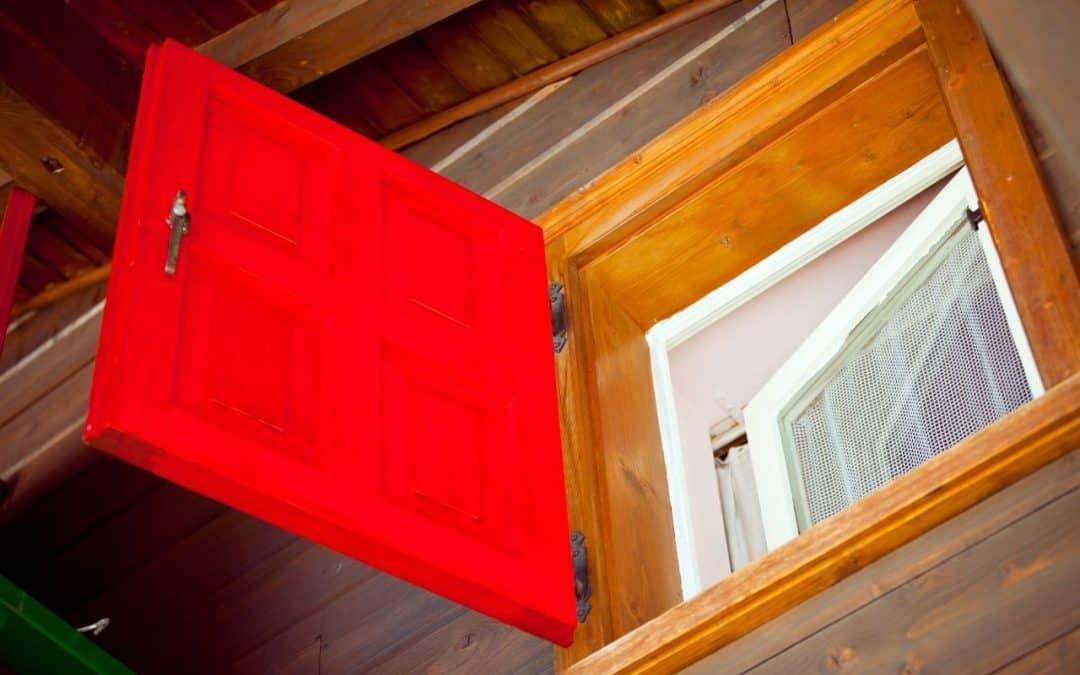 Okna drewniane – na co zwrócić uwagę przed zakupem?